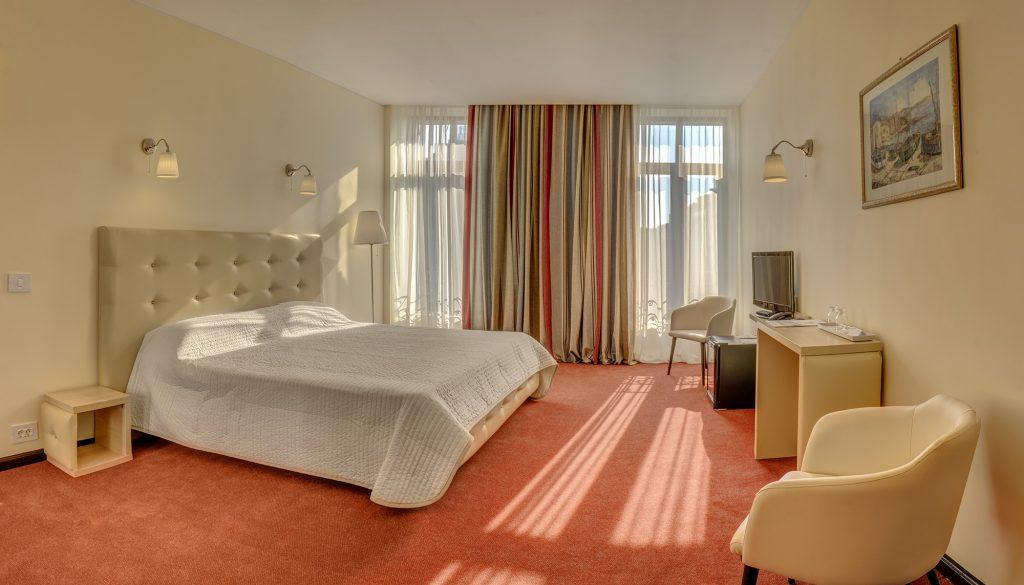 Despre Hotel 1